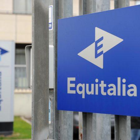 newpress - equitalia - FOTO DI REPERTORIO  ©LAPRESSE 03-01-12 Italia Equitalia, continuano le intimidazioni in tutta Italia